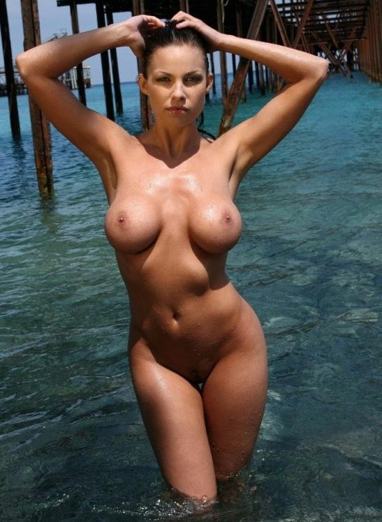 sexy nude babe in water